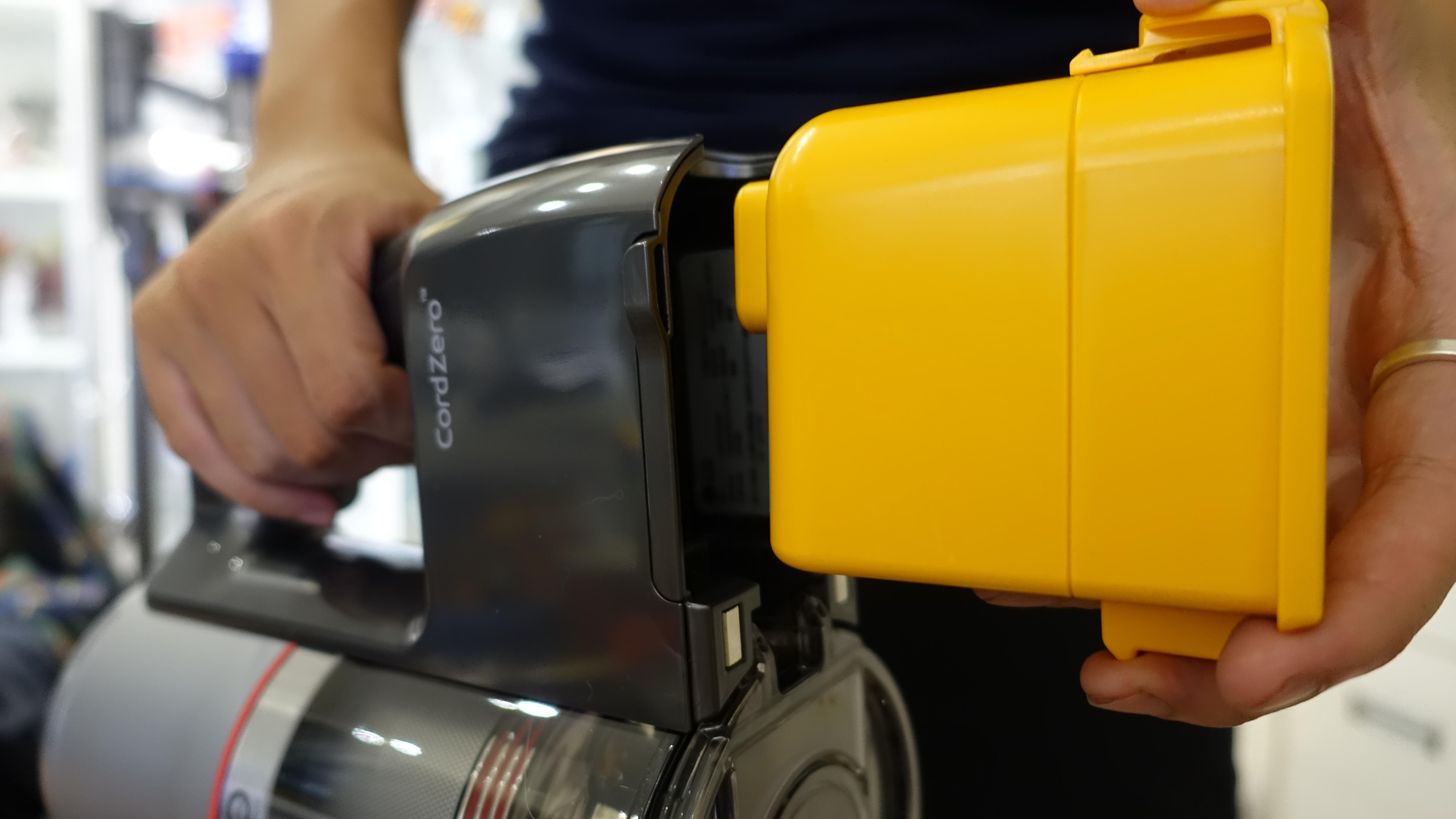 「開箱短評」除舊佈新,交給 LG CordZero A9 吸塵器,不受線制輕鬆打掃