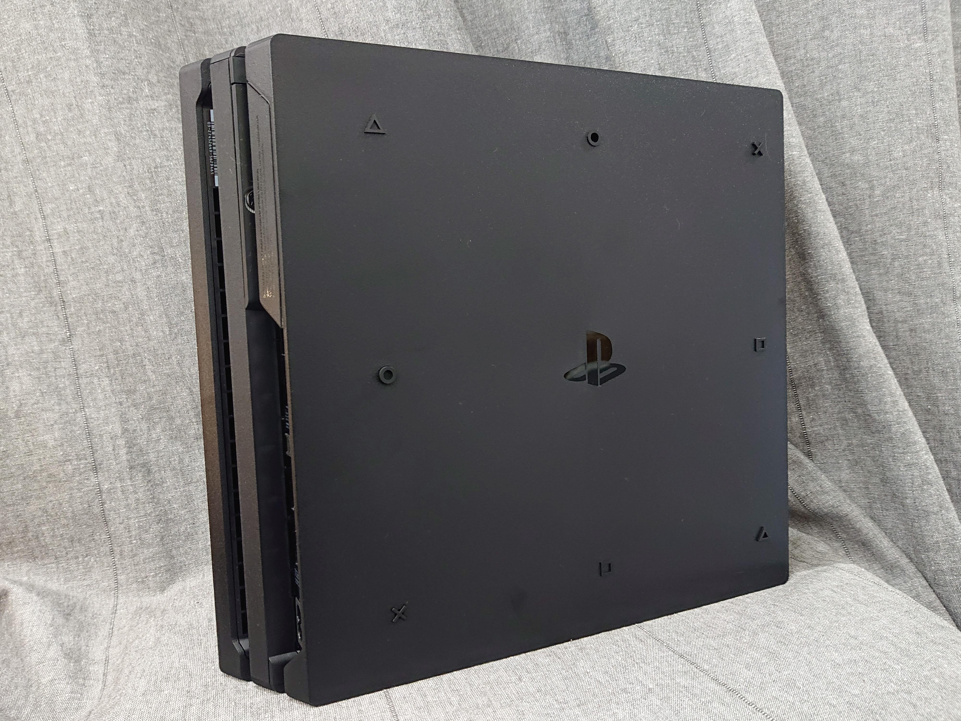 「開箱分享」衣著典雅華麗外衣的PS4 Pro, 王國之心同捆機 限量登場 - 8