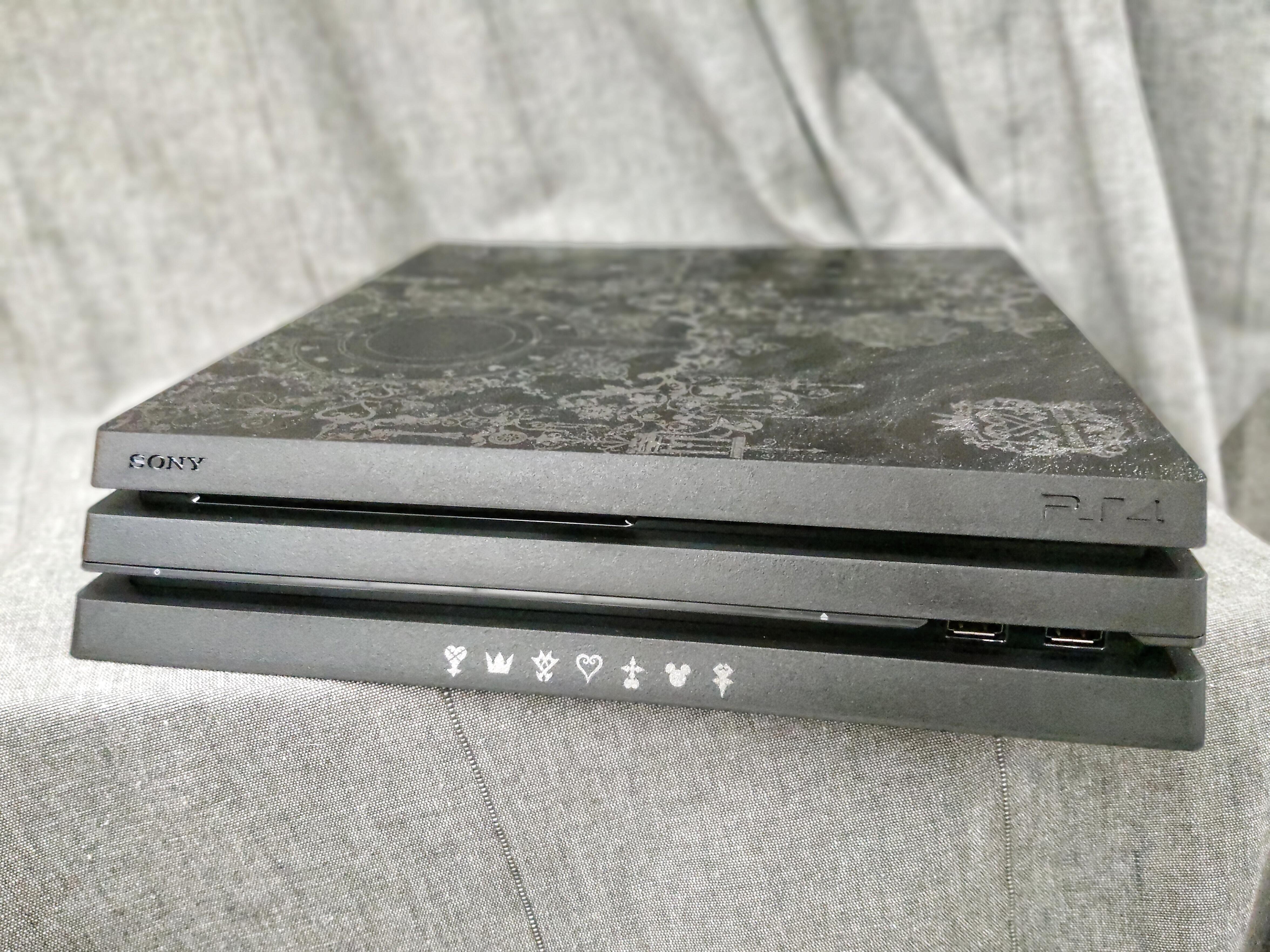 「開箱分享」衣著典雅華麗外衣的PS4 Pro, 王國之心同捆機 限量登場