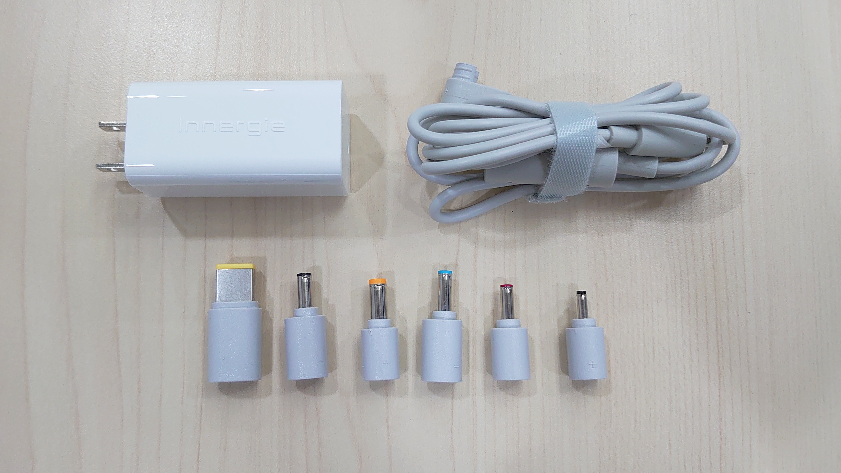 「開箱分享」台達電 Innergie 65U 65瓦萬用筆電充電器,支援多國電壓及多品牌筆電充電