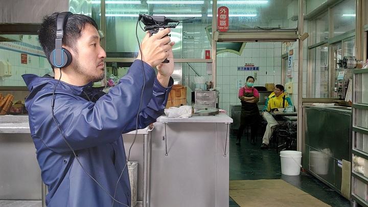 圖說二、李中導演完美詮釋「大師視野」,《代代排》全程以Xperia 1搭載的Cinema Pro拍攝(2)